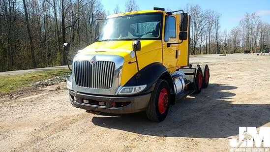 2013 INTERNATIONAL 8600 VIN: 1HSHXSJR7DJ322455 TANDEM AXLE DAY CAB TRUCK TRACTOR