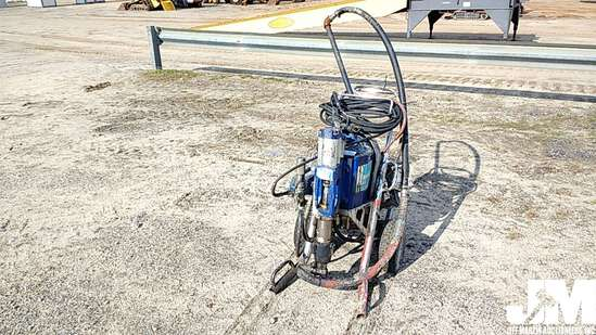 GRACO HYDROMAX 300 AIRLESS PAINT SPRAYER, 3600 PSI, 3.0 GPM,