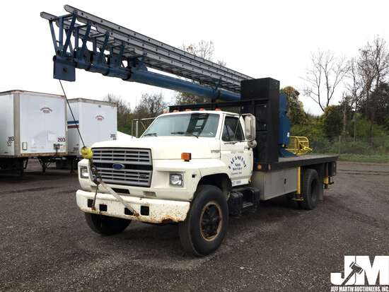 1987 FORD F-700 VIN: 1FDPF70H3HVA15663 SINGLE AXLE CRANE LADDER TRUCK
