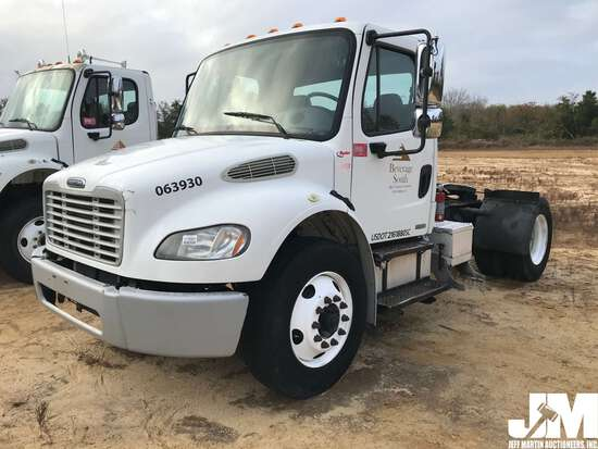 2006 FREIGHTLINER M2 VIN: 1FUBCXDC16HW03930 SINGLE AXLE DAY CAB TRUCK TRACTOR