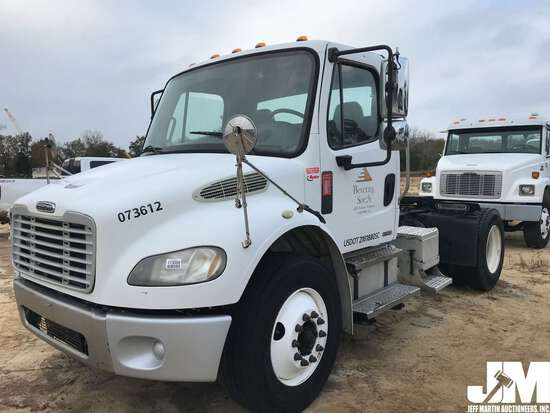 2007 FREIGHTLINER M2 VIN: 1FUBCXDC57HY13612 SINGLE AXLE DAY CAB TRUCK TRACTOR