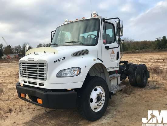 2006 FREIGHTLINER M2 VIN: 1FUBCYDCX6DW75707 SINGLE AXLE DAY CAB TRUCK TRACTOR