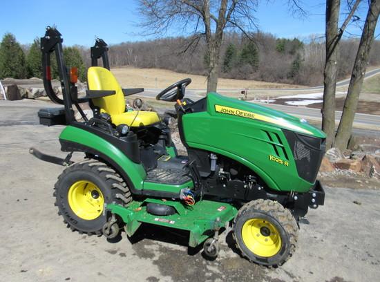 2017 John Deere 1025R Utility Tractor