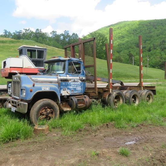 Mac Log Truck