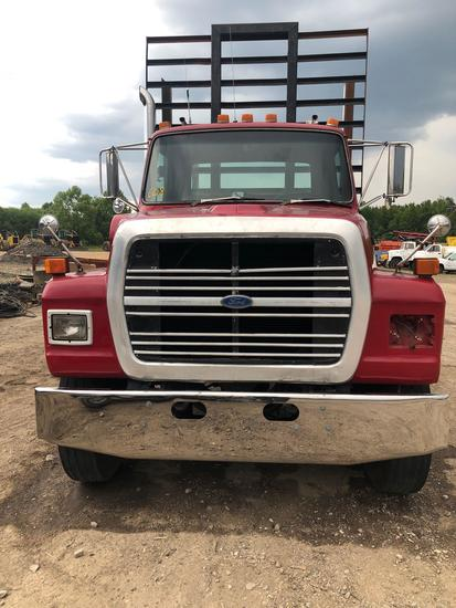 Ford L9000 Log Truck