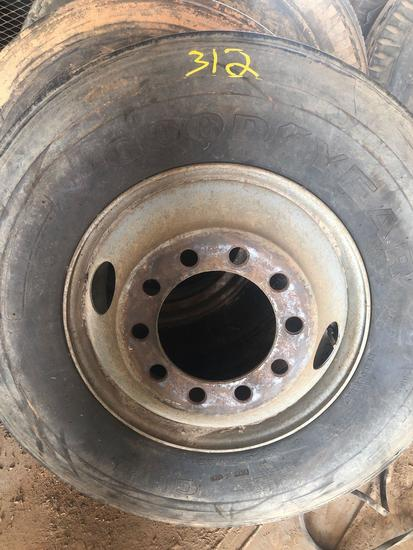 Good/Year tire