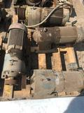 Pallet of 4 motors and gearboxes
