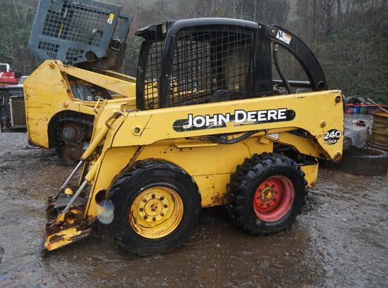 John Deere 240 Series II Skid Steer