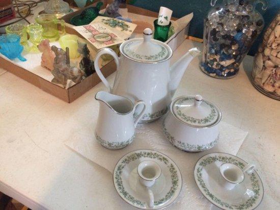 Mikasa Tea set lot