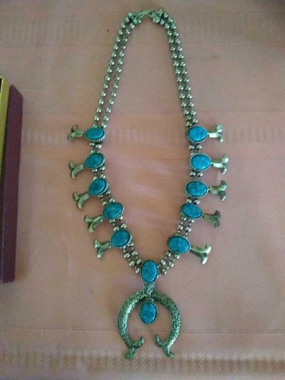 Beautiful Squash style navajo Necklace with turquoise colored Stones