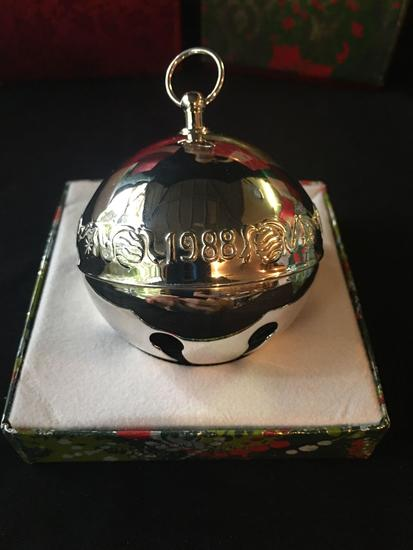 1988 Wallace Silversmiths Christmas Bell