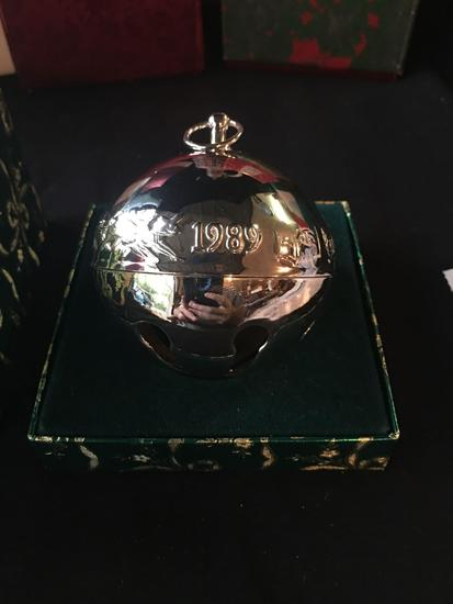 1989 Wallace Silversmiths Christmas Bell