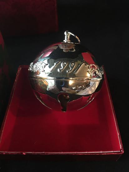 1991 Wallace Silversmiths Christmas Bell