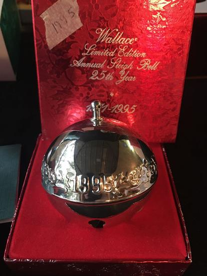 Rare 1995 Silver anniversary Wallace Silversmiths Christmas Bell