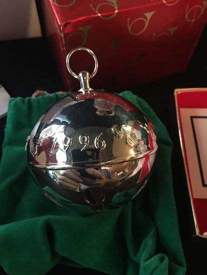 1996 Wallace Silversmiths Christmas Bell