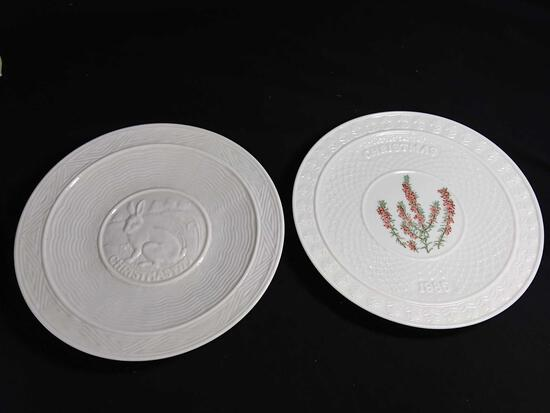 Pair of Fine Quality Belleek Christmas Plates, 1979 and 1985