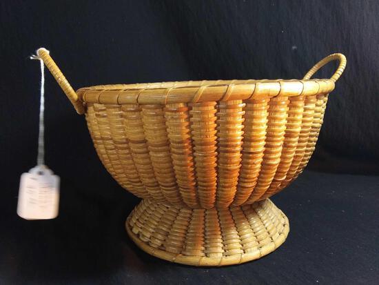 Cute Vintage Double Handled Woven Acorn Basket