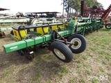 1720 JOHN DEERE 12 ROW PLANTER