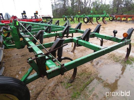 John Deere Chisel Plow