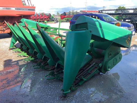 693 JOHN DEERE CORN HEAD