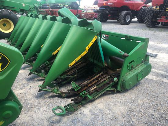 893 JOHN DEERE CORN HEAD