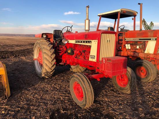 656 Farmall Tractor