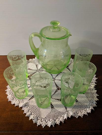 Green Depression glassware lot (Pick-up only)