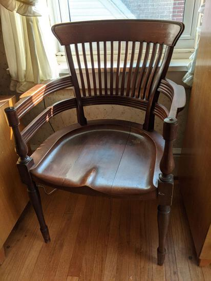Spindle Back Arm Chair with Molded Seat