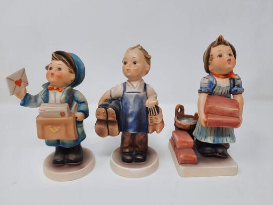 3 Hummels- Postman, 119; Boots, 143; The Builder, 105