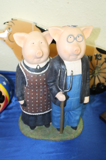 Mr. and Mrs. Farmer Pig Statue