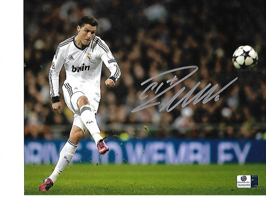 Christiano Ronaldo Real Madrid CF Autographed 8x10 Photo GA coa