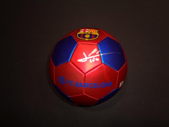 Lionel Messi F.C. Barcelona Autographed Nike Soccer Ball GA coa