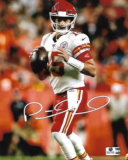 Patrick Mahomes Kansas City Chiefs Autographed 8x10 Photo GA coa
