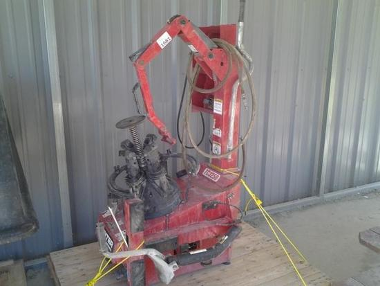 2002 HUNTER ENGINEERING COMPANY TC3250 TIRE CHANGER MACHINE-SER# 11891