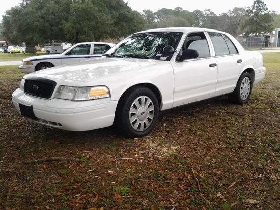 2008 Ford Crown Victoria Passenger Car, VIN # 2FAFP71V18X118943
