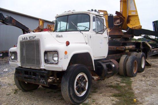 Mack Spot Truck