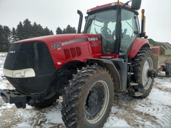 """""""2013 Case IH Magnum 225 CVT Diesel Tractor, FWD, 1800 Hrs., 18:4x46 Rear D"""