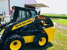 NH L 223 Diesel Skid Steer 70 HP w/Snow Blower