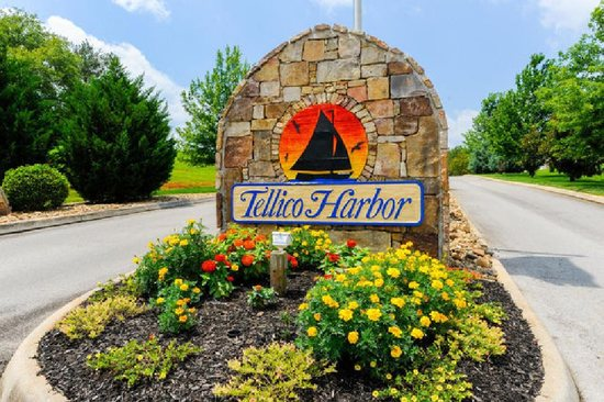 ABSOLUTE -Lot 143 - Apache Drive, Vonore, TN. - Tellico Harbor on the Littl