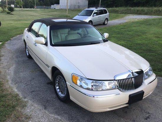 1998 Lincoln Town Car Cartier