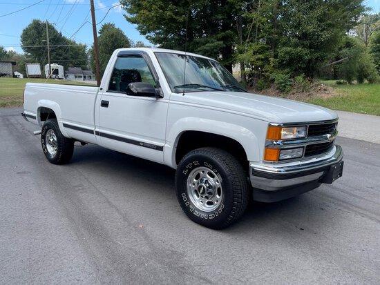 2000 Chevrolet C/K 2500  LS Silverado
