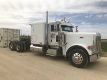 2006 Peterbilt 379 Semi W/ Sleeper