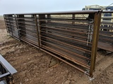9 STAND ALONE STEEL PANELS W/ GATE