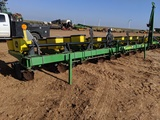 JOHN DEERE 1700 3PT 8 ROW MAX EMERGE XP PLANTER