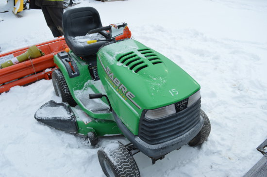JD SABER LAWN TRACTOR