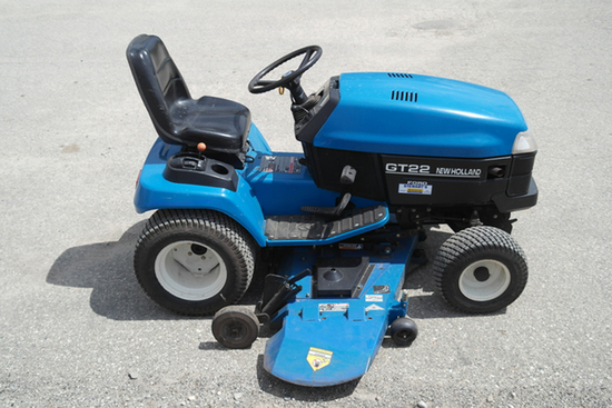 NH GT22 LAWN TRACTOR