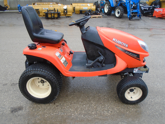 KUBOTA GR2110 TRACTOR LAWN TRACTOR