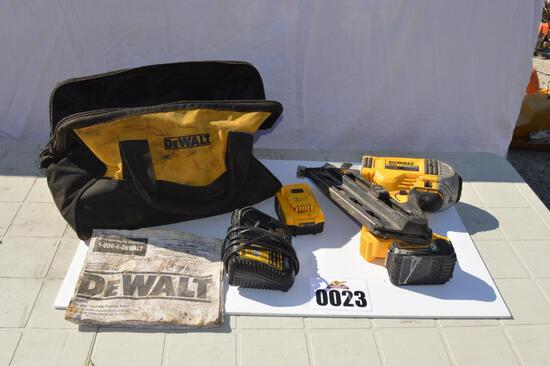 DEWALT 20 VOLT POWER NAILER