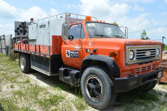 1988 GMC 7000 WASH TRUCK