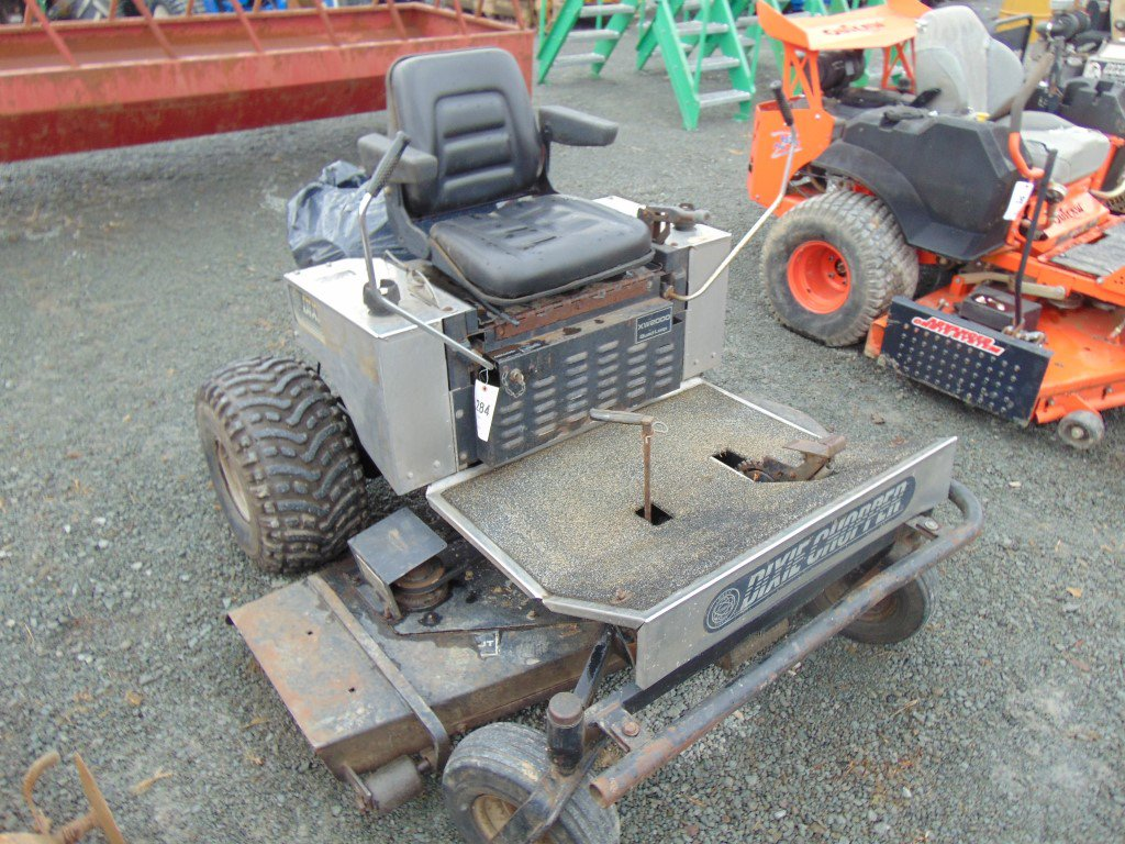 Lot: Dizie Chopper XW2000 quad loop zero turn mower